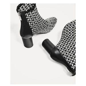 Zara black and white block heel boo…